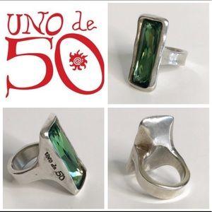 UNO de 50 Aurora Borealis Green Ring in Size 6 EUC